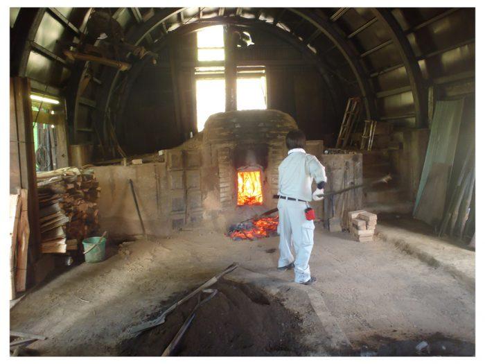白炭塾:炭の取り出し