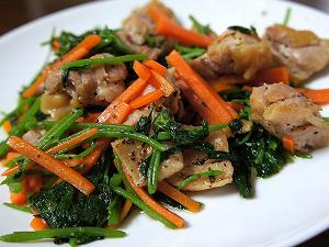 シャキシャキ水菜と鶏肉の炒め物