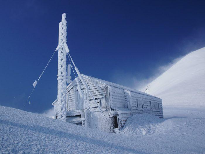 駒の小屋 凍結