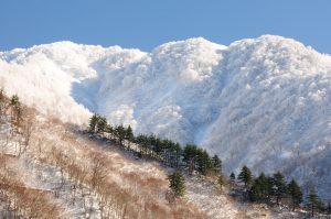 銀山新雪(星義廣氏撮影)