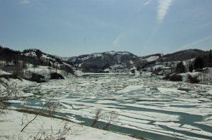 絶景雪流れ